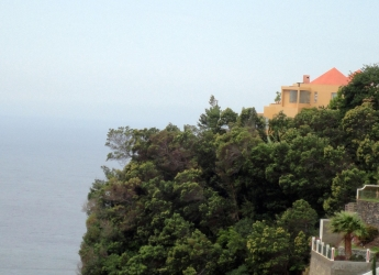 EXPERIENCE TRUE OCEANFRONT LUXURY IN MADEIRA
